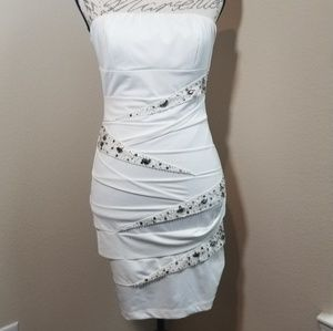 Nikibiki Strapless Party Dress Size Medium
